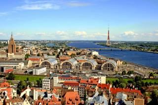 жительство в Латвии